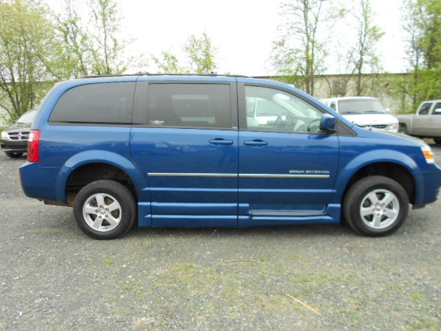2010 Dodge Grand Caravan SXT Wheelchair van for sale in Connecticut. BraunAbility Rampvan XT