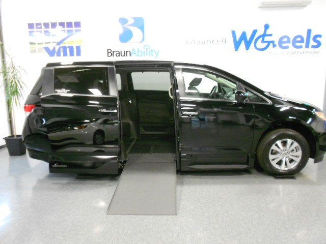 2014 Honda Odyssey EX-L Wheelchair van for sale in Connecticut. VMI Northstar (Infloor)