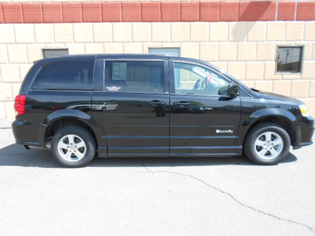 2013 Dodge Grand Caravan SXT Wheelchair van for sale in Connecticut. BraunAbility Entervan