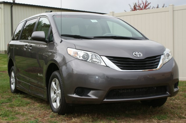 2011 Toyota Sienna LE Wheelchair van for sale in Connecticut. BraunAbility Rampvan XT