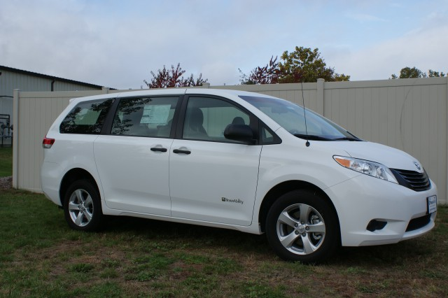 2014 Toyota Sienna FWD Wheelchair van for sale in Connecticut. Other
