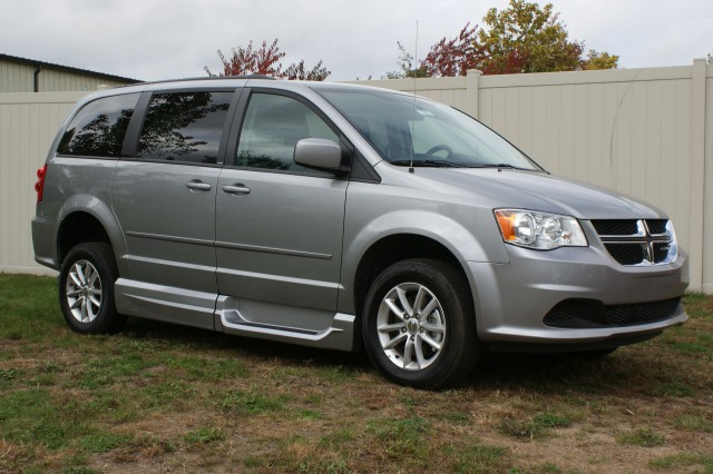 2014 Dodge Grand Caravan SXT Wheelchair van for sale in Connecticut. VMI Northstar (Infloor)