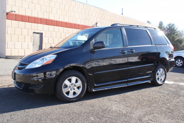 find new used toyota sienna wheelchair vans for sale in. Black Bedroom Furniture Sets. Home Design Ideas