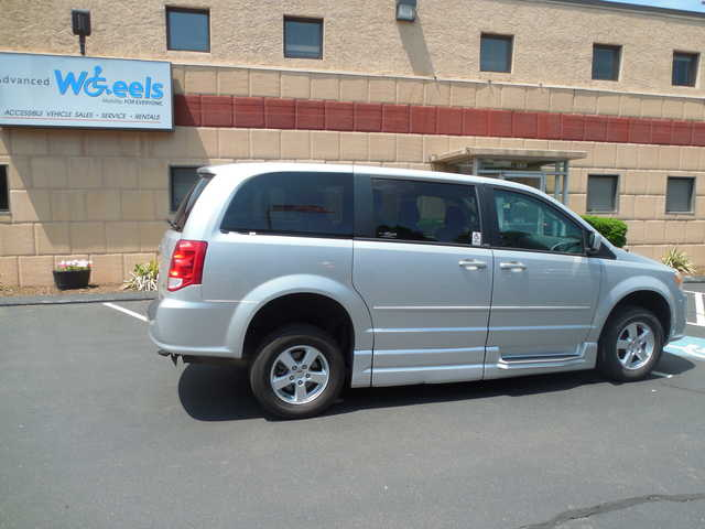 2011 Dodge Grand Caravan Mainstreet Wheelchair van for sale in Connecticut. Commercial Vans BraunAbility Dodge ADA Entervan