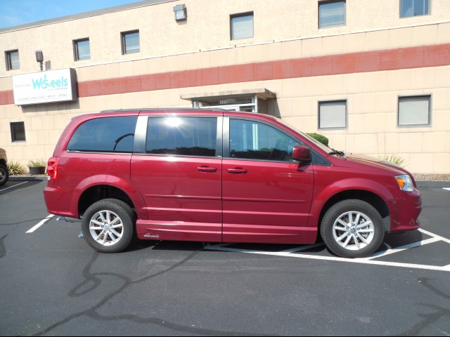 2014 Dodge Grand Caravan Wheelchair van for sale in Connecticut. VMI Dodge Summit