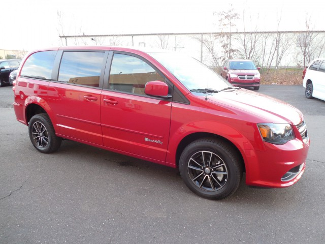2015 Dodge Grand Caravan Wheelchair van for sale in Connecticut. Commercial Vans BraunAbility Chrysler ADA Rear Entry