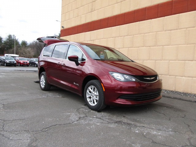 2017 Chrysler Pacifica Wheelchair van for sale in Connecticut & Massachusetts.
